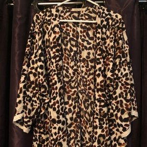 Leopard cardigan with lace detailed sleeves sz M
